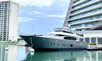 Azimut 100 Mega Yacht with Jacuzzi from Tulum- Playa del Carmen Cancun with Land Pick Up