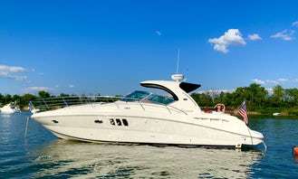 38ft Sea Ray Sundancer Sport Yacht for Charter on the Ohio River
