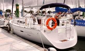 Sailing Boat Beneteau Oceanis Clipper 37.3 in Hondarribia and France