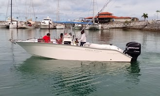 27' Cape Horn Center Console Charter in San Carlos, Panamá