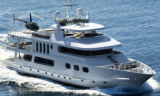 Luxury Mega Yacht Charter with Jacuzzi and Heli Pad in Marina del Rey