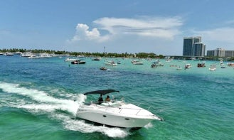 Amazing Larson 32ft Motor Yacht Charter in Miami Florida