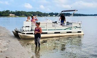 20ft Sweetwater Pontoon Boat Rental with FREE GAS