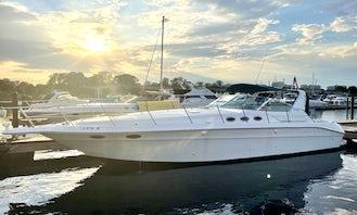 44' Sea Ray Sundancer Luxury Motor Yacht Rental