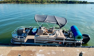 Grapevine Lake Suntracker 22' Pontoon Rental. Life is better on the water with us!!