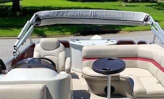Book the 2017 Berkshire 21ft Pontoon Boat in Lake Tarpon, Florida