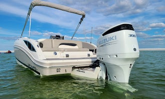 Gorgeous Powerboat for groups of up to 12! Enjoy Anna Maria in style. Perfect for exploring the area and hanging at a sandbar!