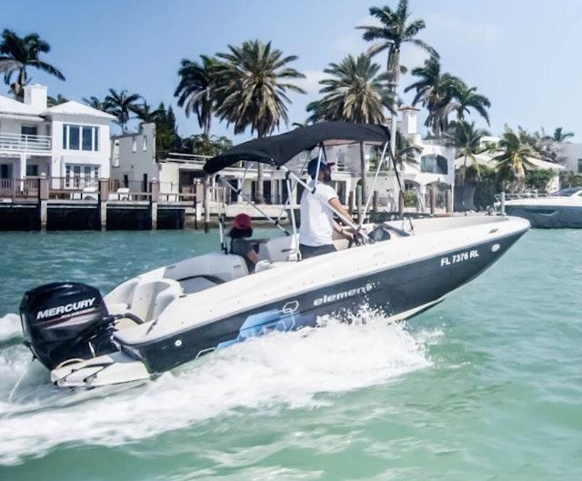 Captain a Bowrider in Miami Beach
